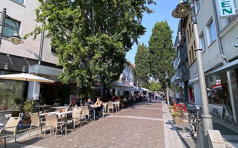 Belebung Einkaufsstraße Ladenzeile – Brühl digital e.V. - Verein und DigitalCoaches für Digitalisierung Stadt Brühl. Stadtmarketing. CityApp